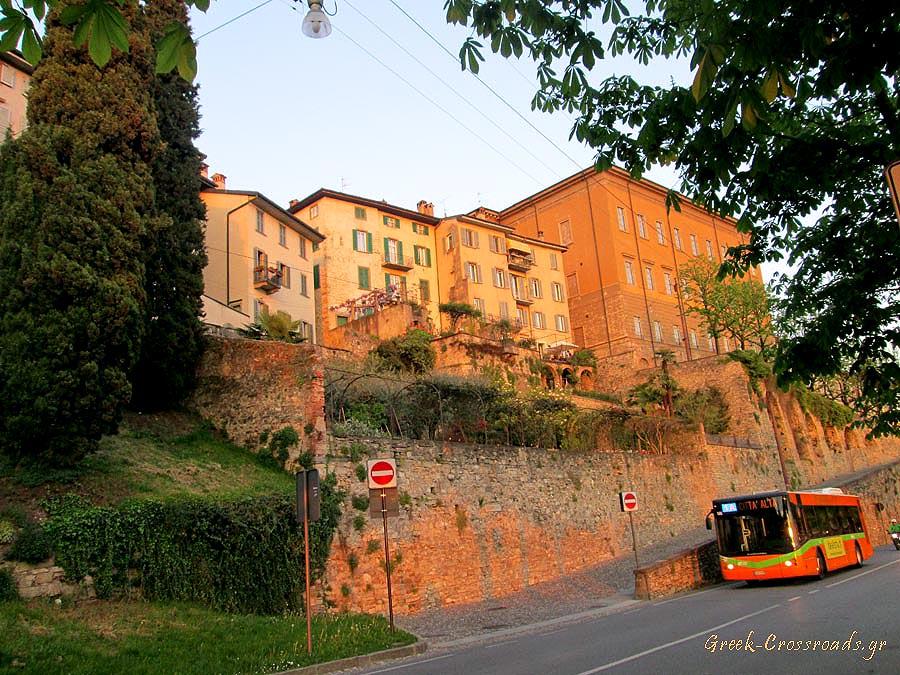 Bergamo Italy bus mura