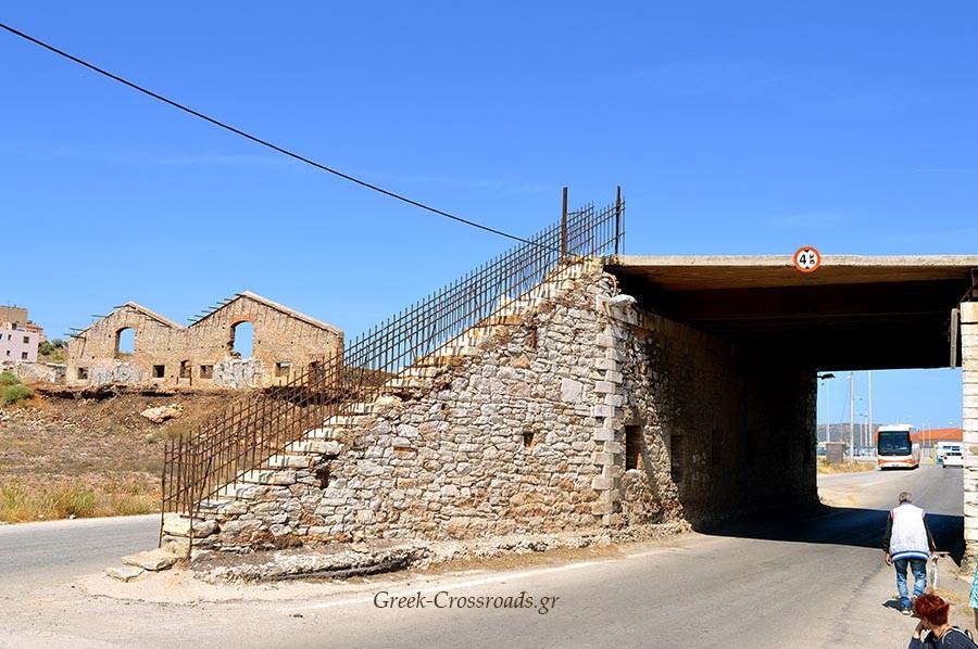 Λαύριο παλιά πύλη λιμανι