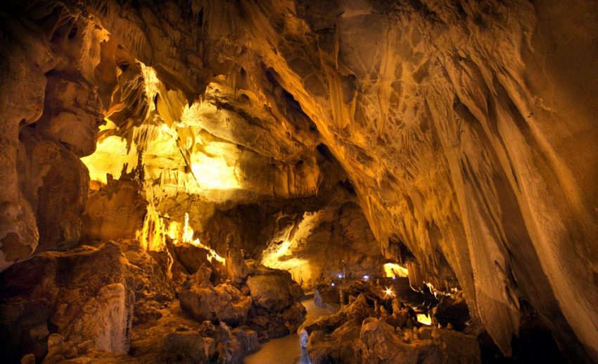 Καστοριά σπηλιά Δράκου