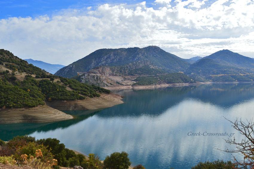 Μόρνος λίμνη